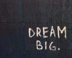 Zerrissen zwischen Traum und Alltag - Moses Weg zur Berufung
